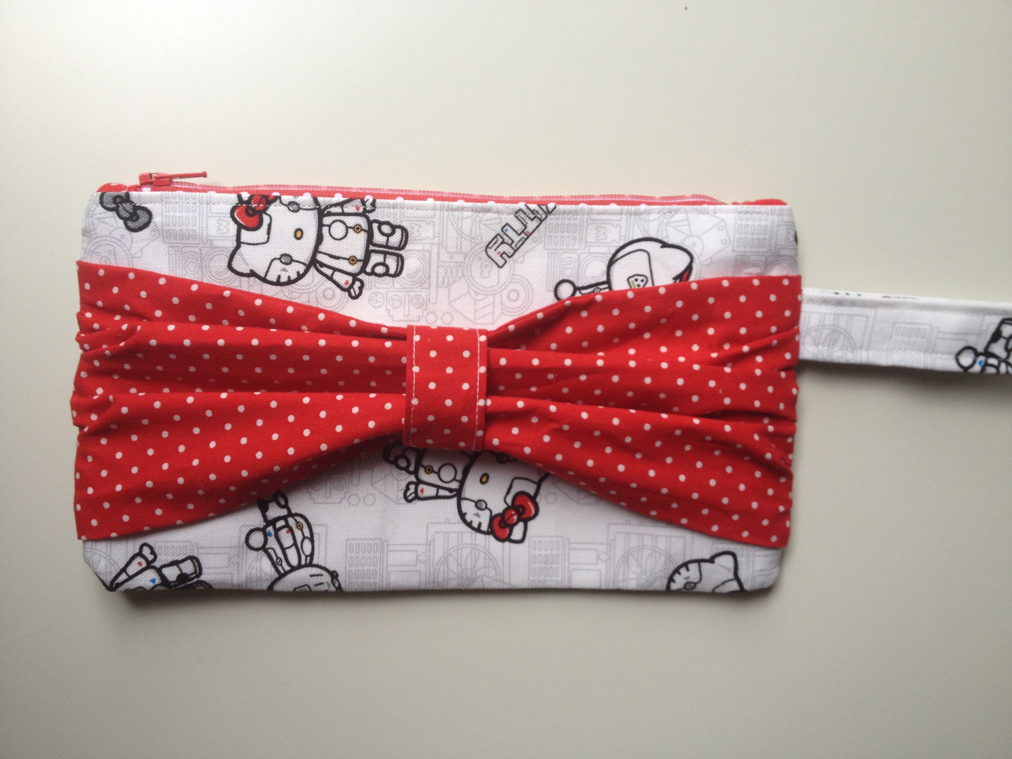 Hello Kitty bow clutch