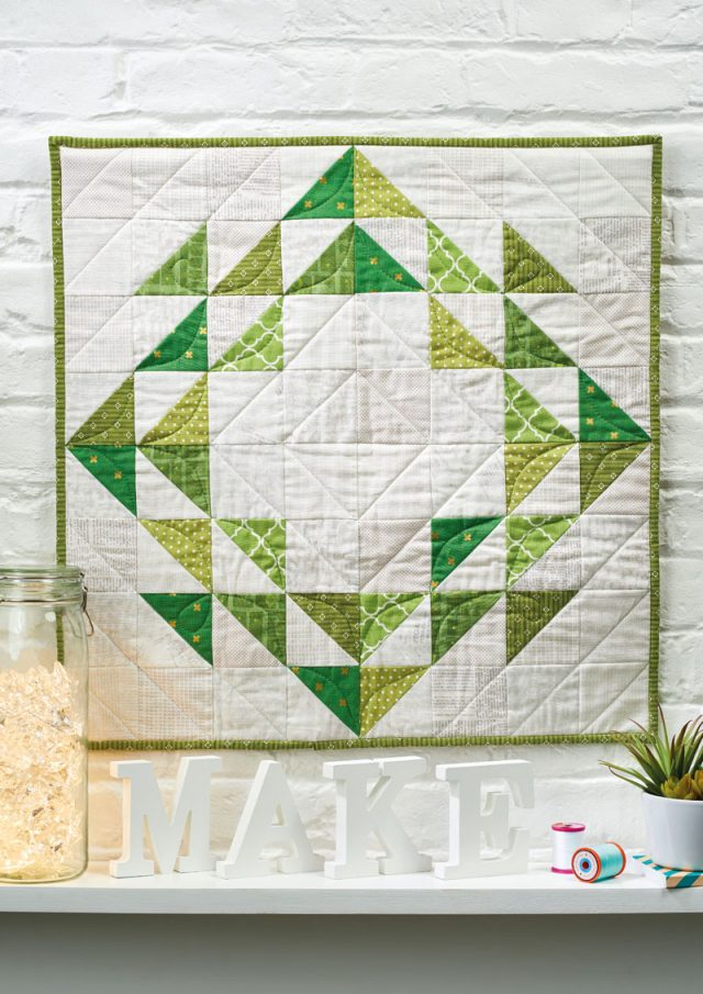 Wreath mini quilt in Love Patchwork and Quilting by Alyce Blyth