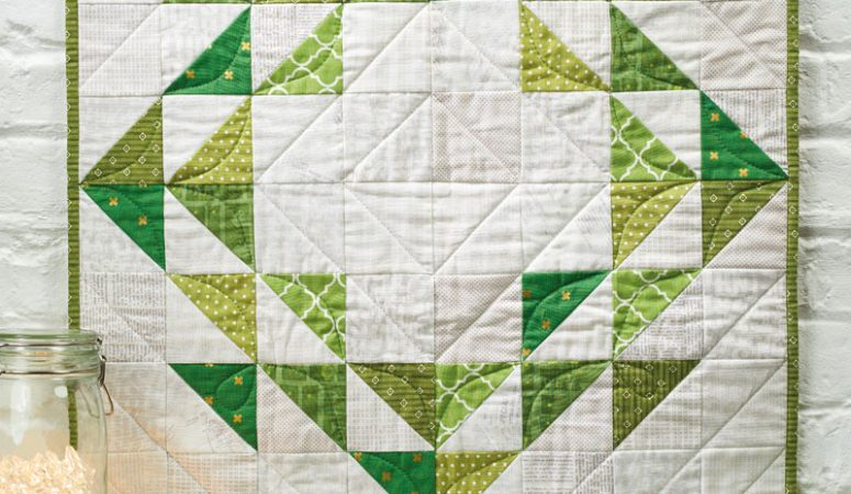 Wreath Mini Quilt in Love Patchwork & Quilting