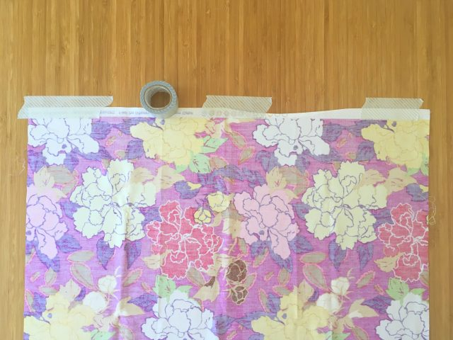 How to pin baste a quilt with tape 1