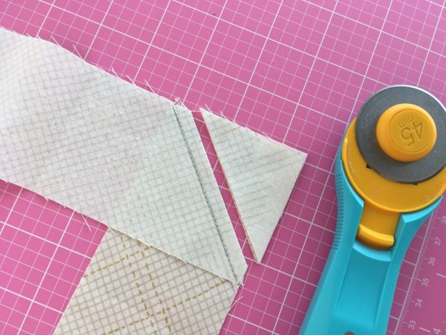 Joining binding strips for a quilt