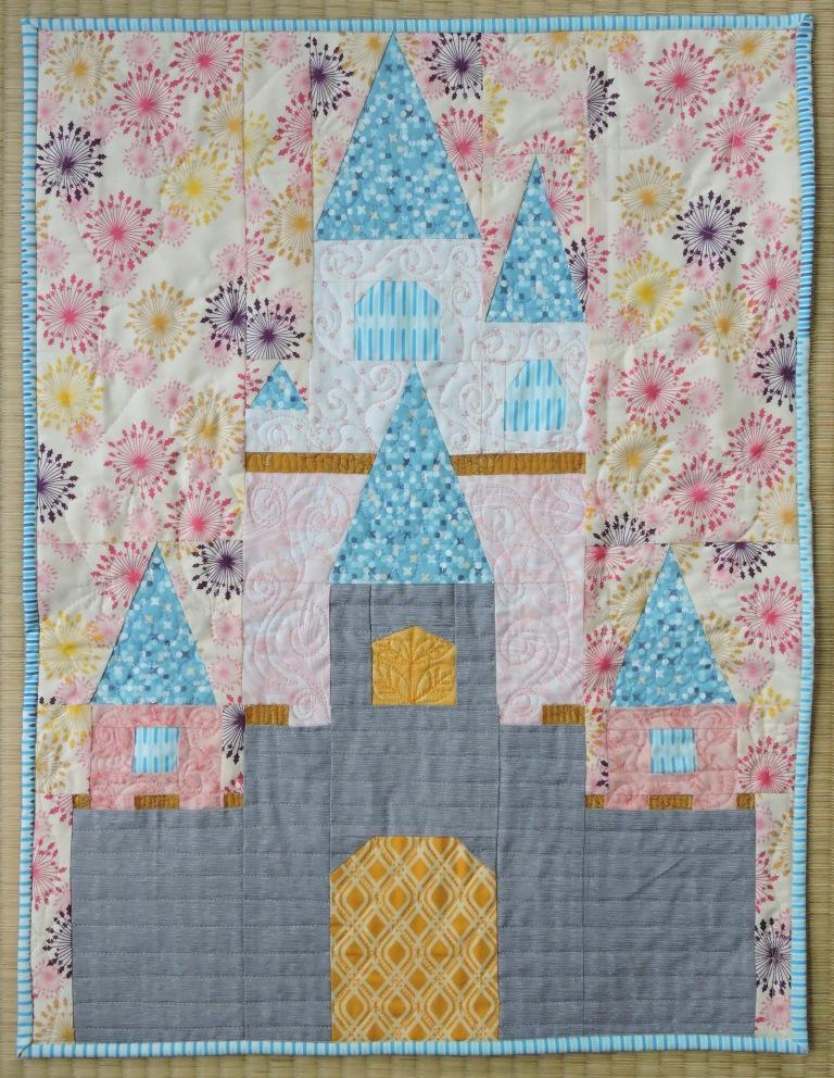 Disney Mini Quilt Sleeping Beauty S Castle Blossom